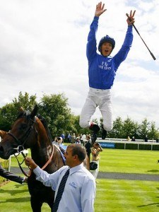Frankie Dettori helped punters win big with accumulators when he rode all seven winners at Ascot.